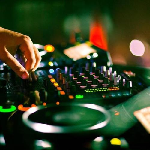 DJ Carlos Barcenas's avatar