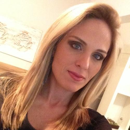 Camille Vasques's avatar