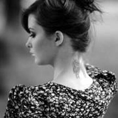 Esra Ayman's avatar