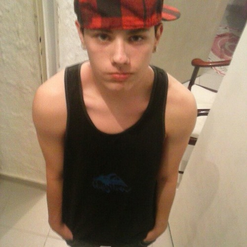 Julio Henrique 6's avatar