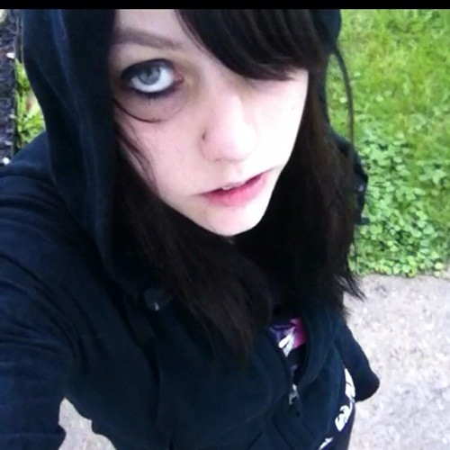 gothicrainboweater666's avatar