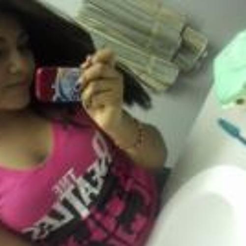 Alicia Clemente's avatar
