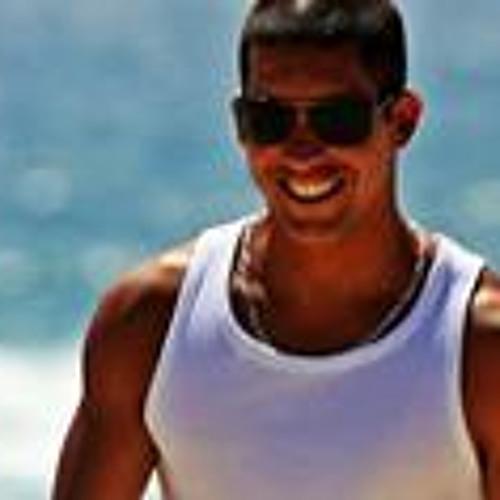 Fauzi Simão's avatar