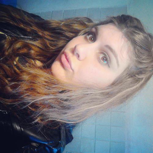 Yanaína Castro's avatar