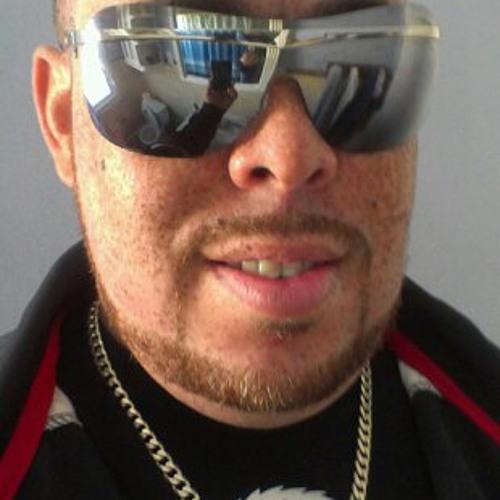 Raymond Rucker's avatar