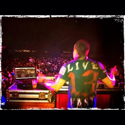 Toshh DJ's avatar