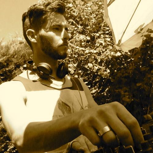 Alek Sanderkane's avatar