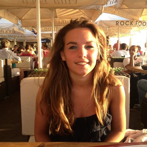 Julie Clermont's avatar