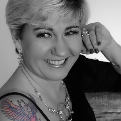 Claudia Frigo Cantora's avatar
