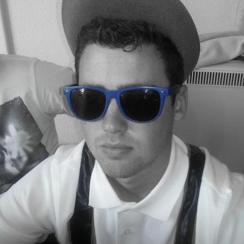 Benjani D12's avatar