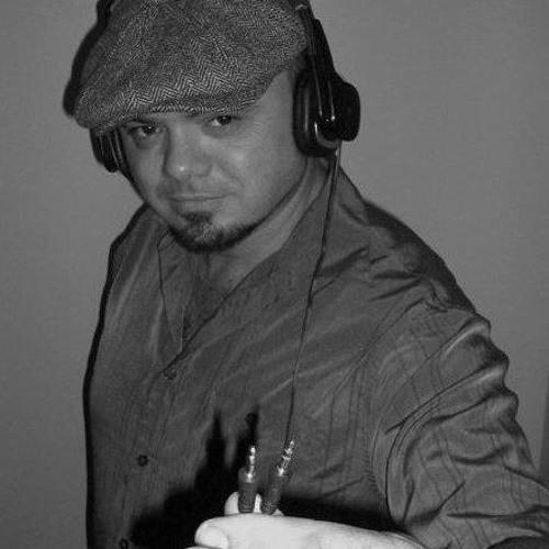 DJ Azorean's avatar