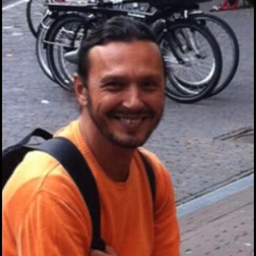 Hakan Guclu's avatar