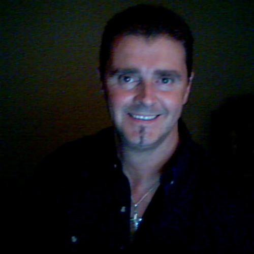 Andre Dagenais's avatar