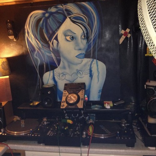 DJ Hez's avatar