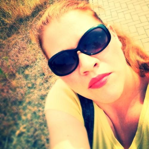Jessica Castellana's avatar