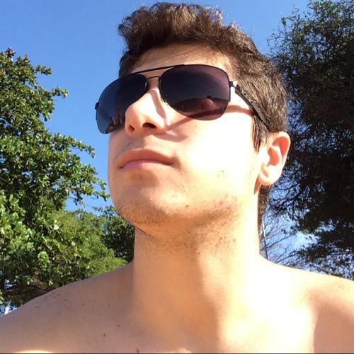 Renzo Bittencourt's avatar