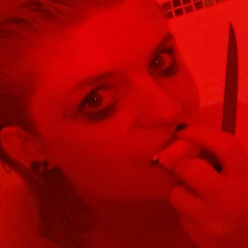 Rose Lamont's avatar