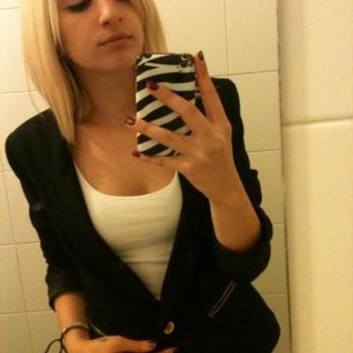 Julia Be.'s avatar