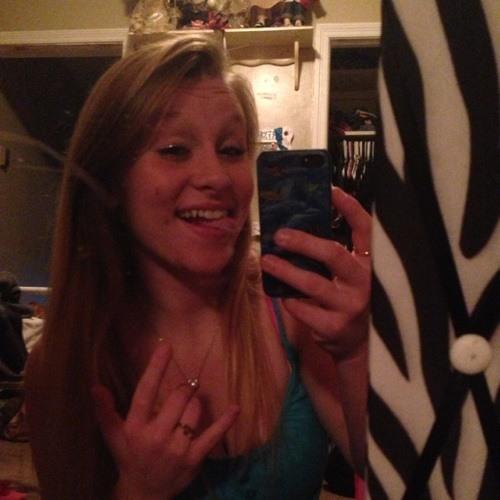 Brittany16's avatar