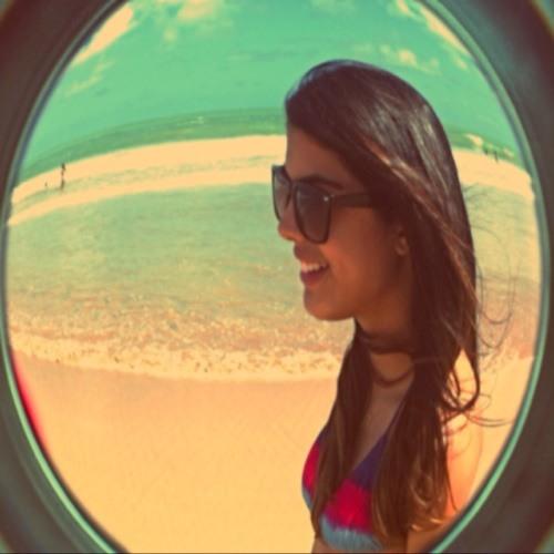 Luiza Veiga's avatar