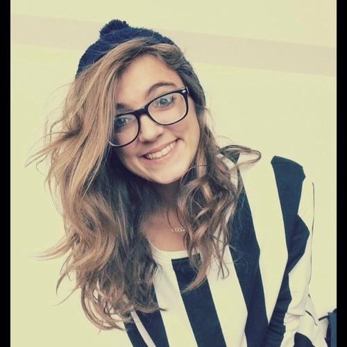 celia :)'s avatar