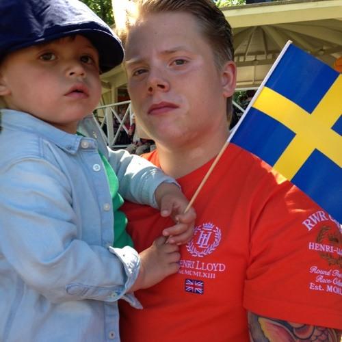 Tobias Carlsson's avatar