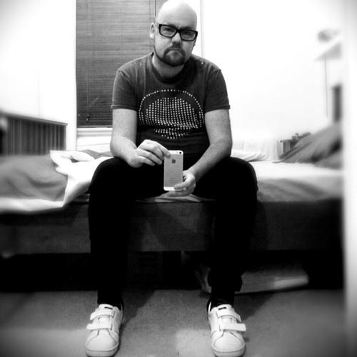 d[[^_^]]b(DJ Josh Kirkby)'s avatar