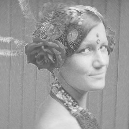 Karolina Alvaker's avatar