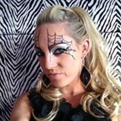 Danielle Davey 1's avatar