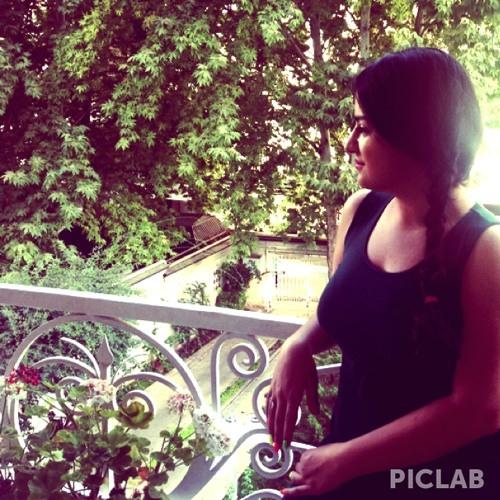 tina _ titi's avatar