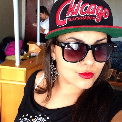 Julia Martins 3's avatar