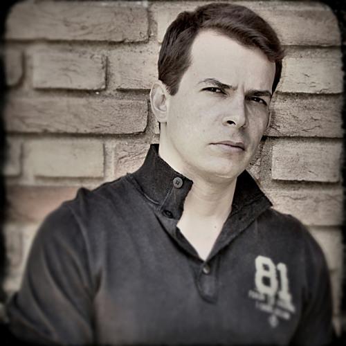 Flávio Fantinatto's avatar