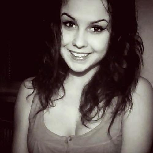 Karolina Smolakov's avatar