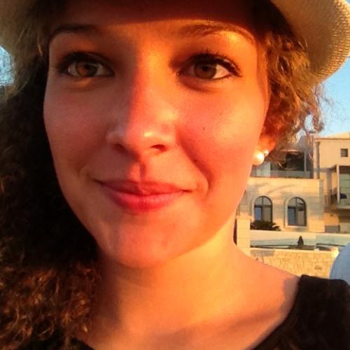 Amira Chaouf's avatar