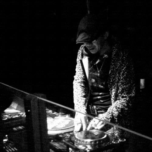 DJ-BluE-Sapporo's avatar