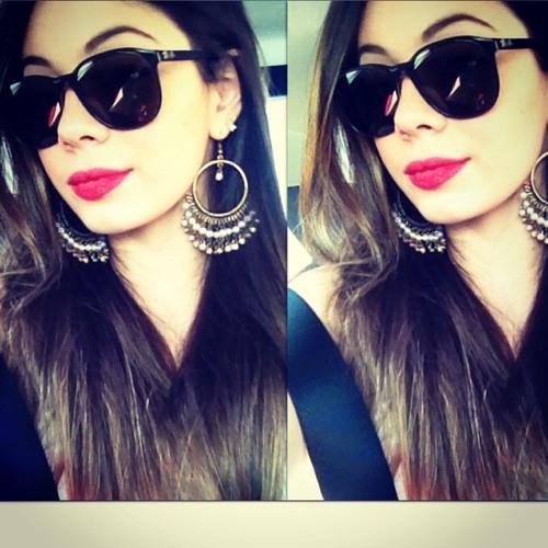 Julia lia's avatar