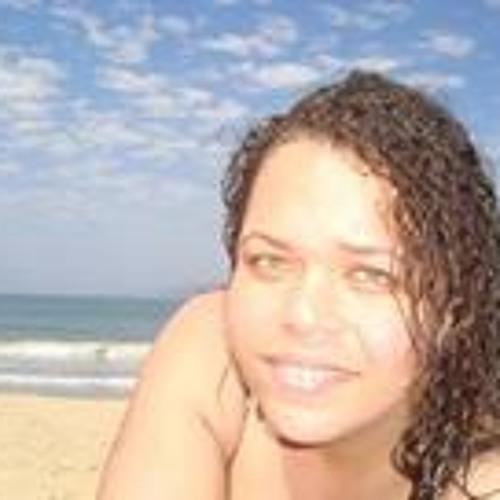 Manoela Gonçalves Marinho's avatar