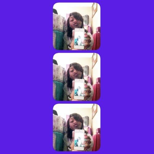 famoussdia_'s avatar