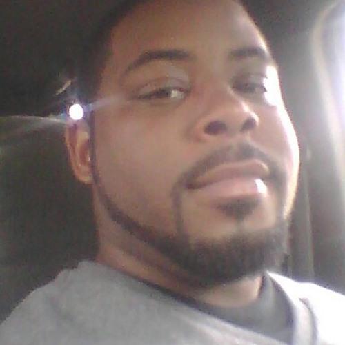 r8383's avatar