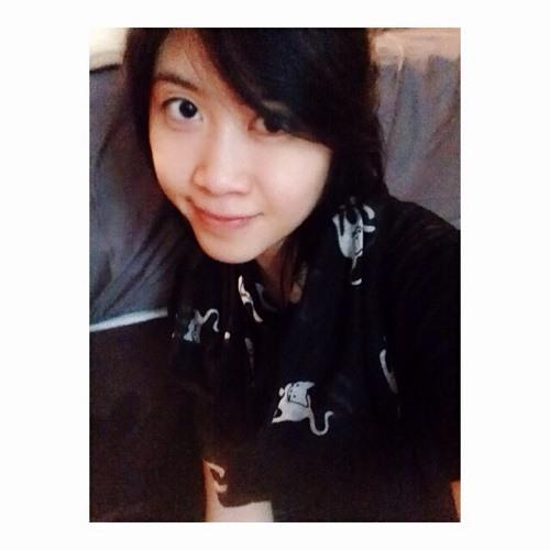 Elena Le's avatar