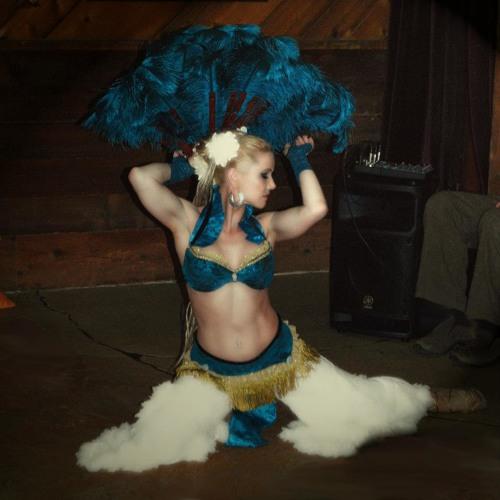 Tisha Leigh's avatar