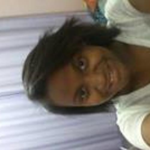 Larissa Sabino 2's avatar