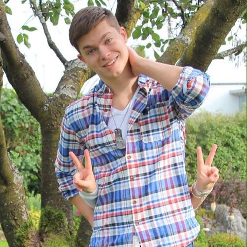 Simon Schwarz 7's avatar