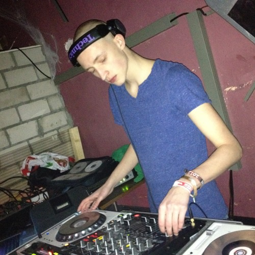 "Andreas ""DJAnd1"" DJAndOne's avatar"