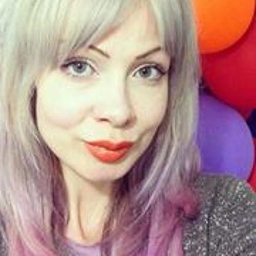 Fiona Fay's avatar