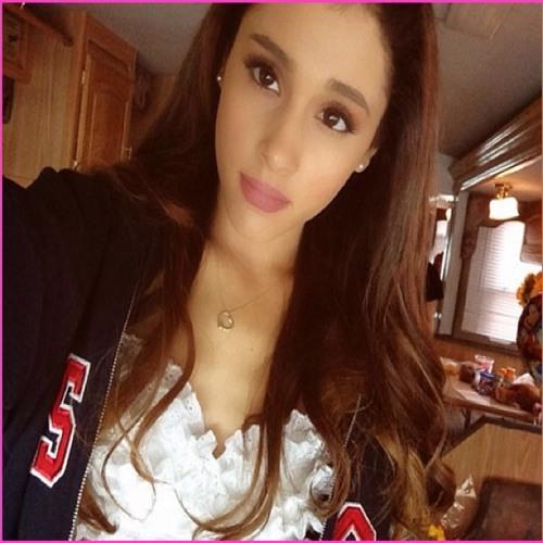 ArianaGrande321's avatar