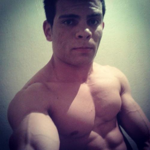 Daniel Hilario's avatar
