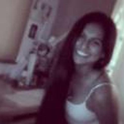 Melanie Paredes Monzón's avatar