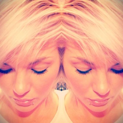 MizzCharlton's avatar