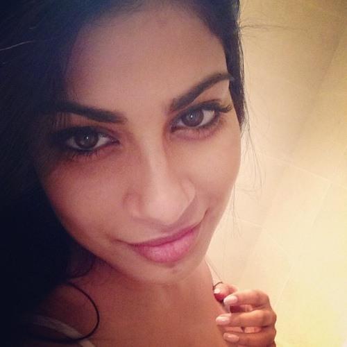 chandni_guram's avatar